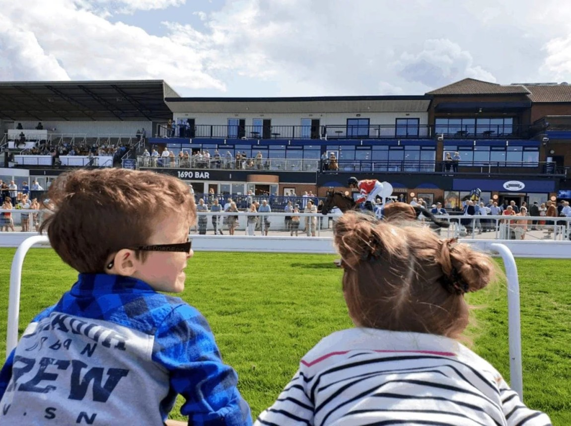 Beverley Family Race Day   Great British Racing's 'Under 18s Race Free'