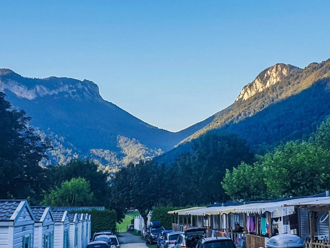 Review | Camping L'Ideal de Annecy | Campsite in the French Alps