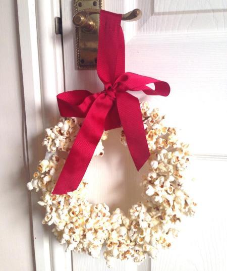 popcorn-wreath