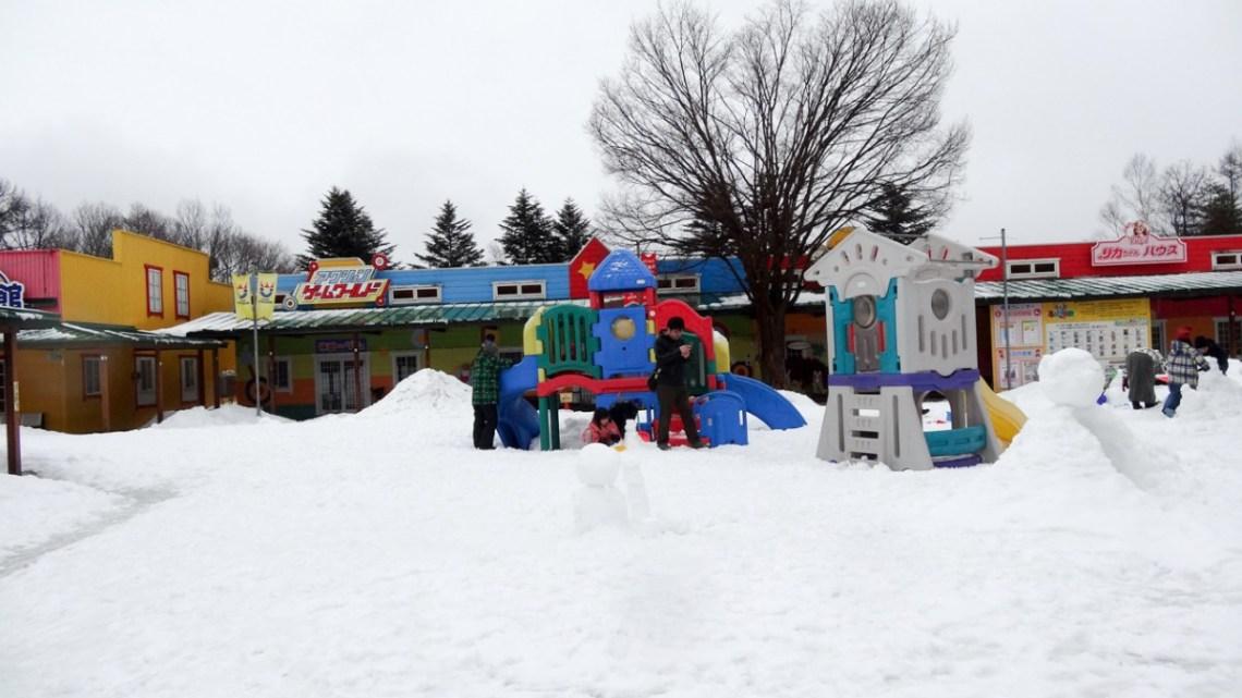 子供とおでかけ。雪の軽井沢おもちゃ王国へ!