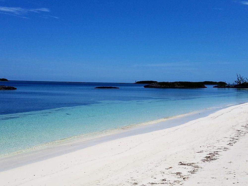 Walk on beach allan cay 61517
