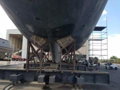 71417. Under l ellisons boat