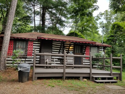 Asheville Historical log cabin 7317