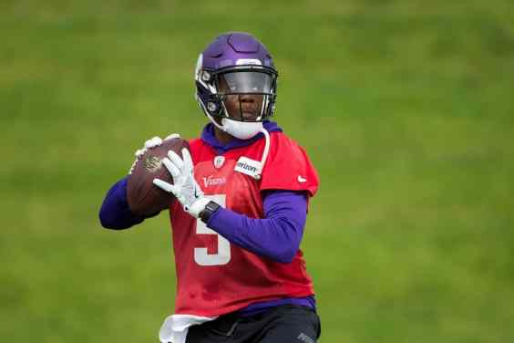 Teddy Works Out With NO Knee Brace; Optimism High