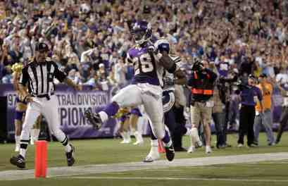 10 Years Later: Adrian Peterson Sets Single-Game Rush Record vs Chargers