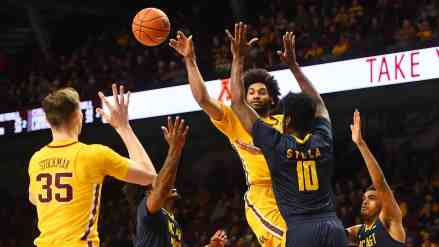 If Gophers Can Beat Bottom B1G Teams, They'll be Dancing