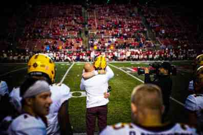 Gophers Mop Up Rutgers to Remain Undefeated; Wisconsin Trips @ Illinois