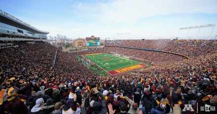 Gopher Fans Answer Call | Pack The Bank | Get Rewarded | Storm Field | Now Party