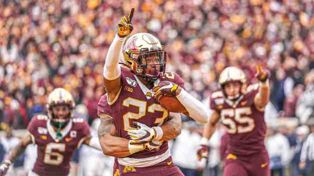 Gophers Move Up to #7 in Both The Coaches and AP Polls