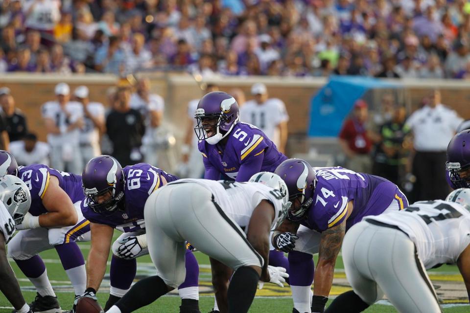 Teddy Bridgewater At The Line vs Raiders