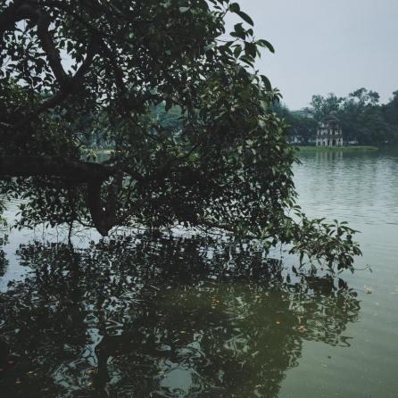 Góc chụp quen thuộc của rất nhiều người khi đến Hà Nội