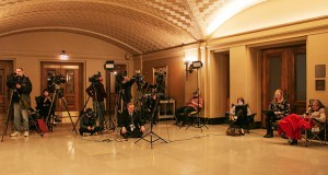 The press corps camps out outside budget negotiations May 18 on the Capitol's ground floor. (Staff photos: Kevin Featherly)