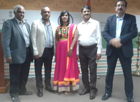 MF TEAM ATTENDS A TALK ON THE IMPACT OF ARRIVAL OF INDIANS ON CULTURE OF SOUTH AFRICA AT THE CONSULATE GENERAL OF INDIA OFFICES DURBAN: Pictured: (left to right) Former Minority Front Ward Councillor Mr Madhanlall Dasarath, Minority Front NEC member Mr Vi
