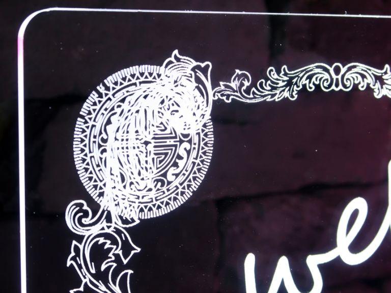 캠핑문패 , 옷가게간판 , 포인트간판 led아크릴간판 아크릴led간판 아크릴 네온사인 네온간판 015 실내간판 천정간판 유리창간판 윈도간판 창문간판  안내문사인