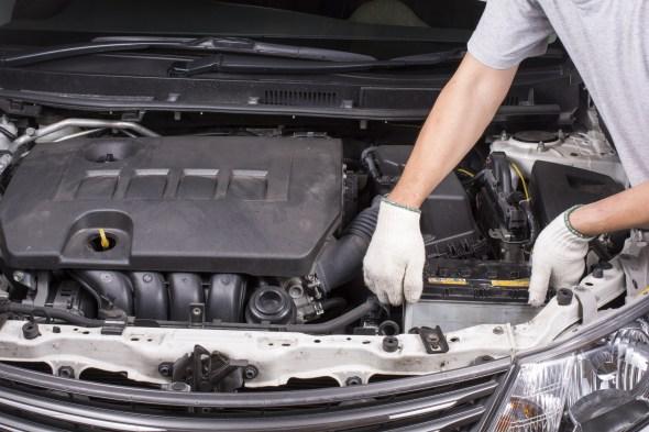 車のバッテリーの交換