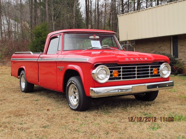 1966 Dodge D100 Sweptline