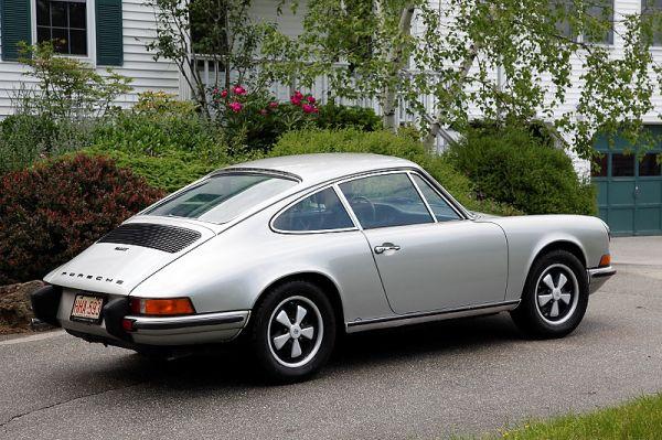 73 Porsche 911T Coupe