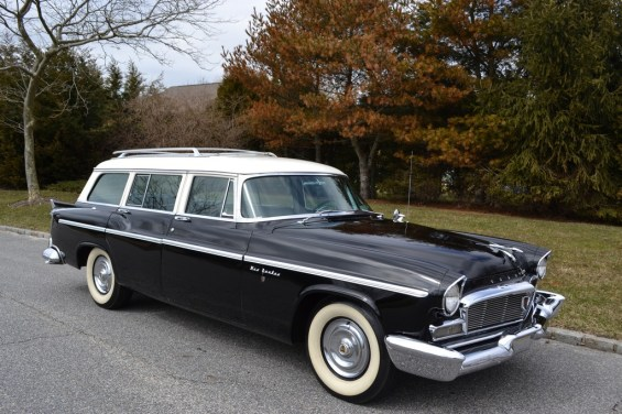 Chrysler Town & Country Station Wagon