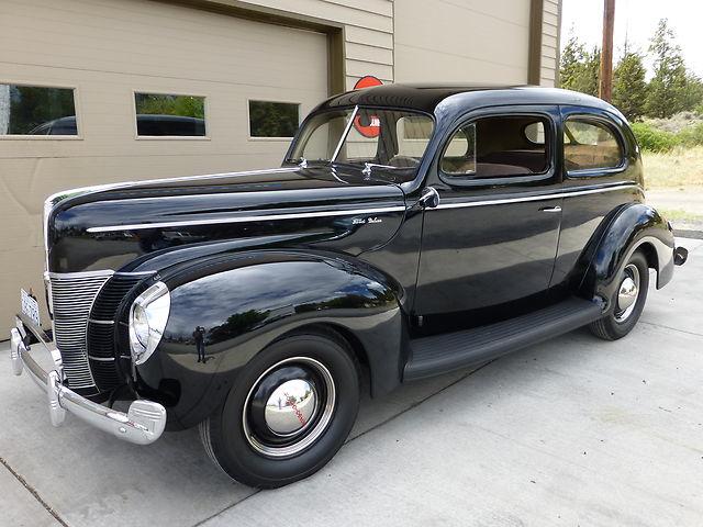 1940 Ford V-8