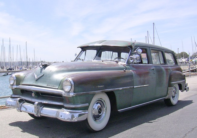 52 Chrysler Town & Country