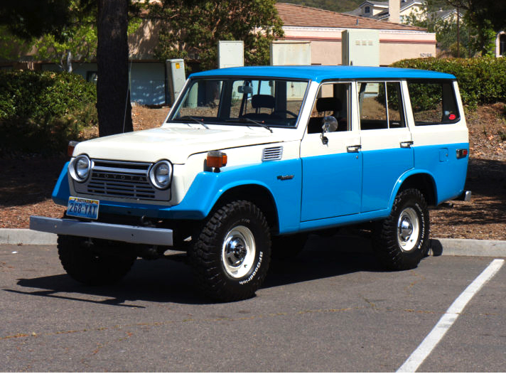 iron pig \u002778 toyota land cruiser fj55 mint2methe fj55 was a 4 door station wagon version based on the fj40 drive train, replacing the 4 door fj45v it is commonly referred to as an \u201ciron pig