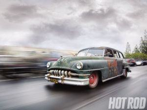 hrdp_1104_02_o+the_derelict_1952_chrysler_town_country+front_view