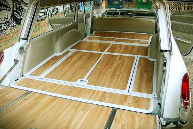 62 Oldsmobile Dynamic 88 Wagon  int