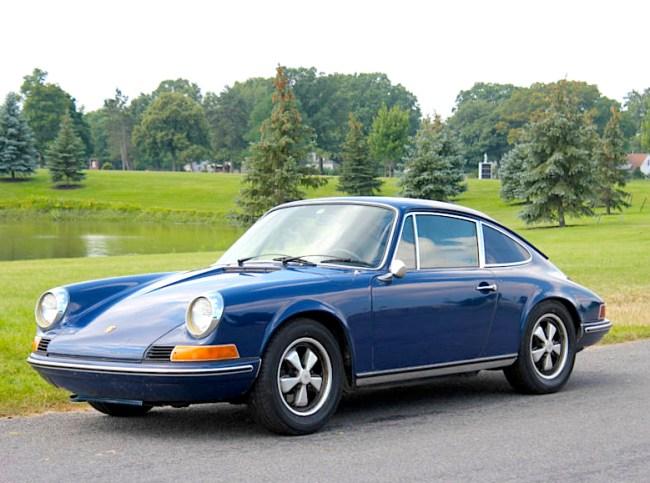Prince Albert Blue: '71 Porsche 911T Coupe | Mint2Me