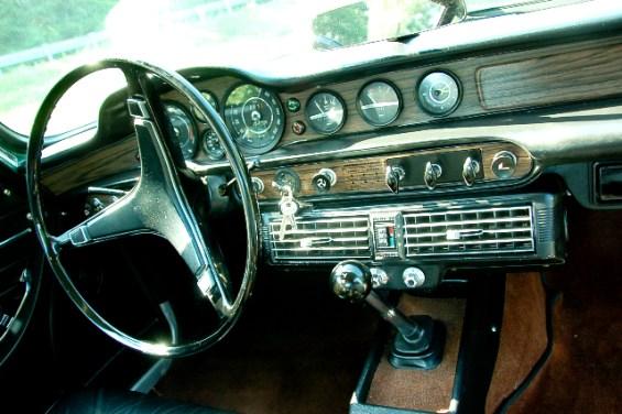 72 Volvo 1800E