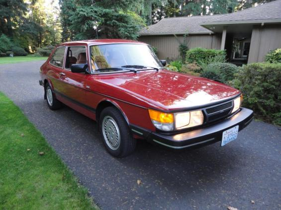 1985 SAAB 900S