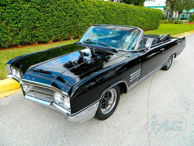 64 Buick Wildcat fr