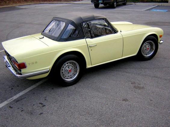 71 Triumph TR6 re