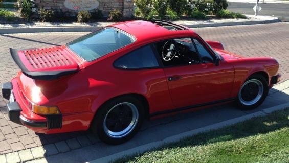 85 Porsche 911 Carrera re
