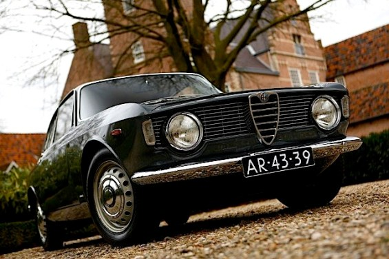 alfa giulia gt sprint out