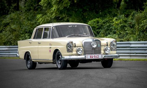 mercedes-benz-230s-10-most-memorable-classic-german-cars-of-2013-_20678746503_o