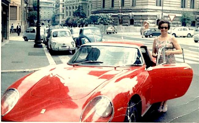 Luisa & Ferrari Open Door