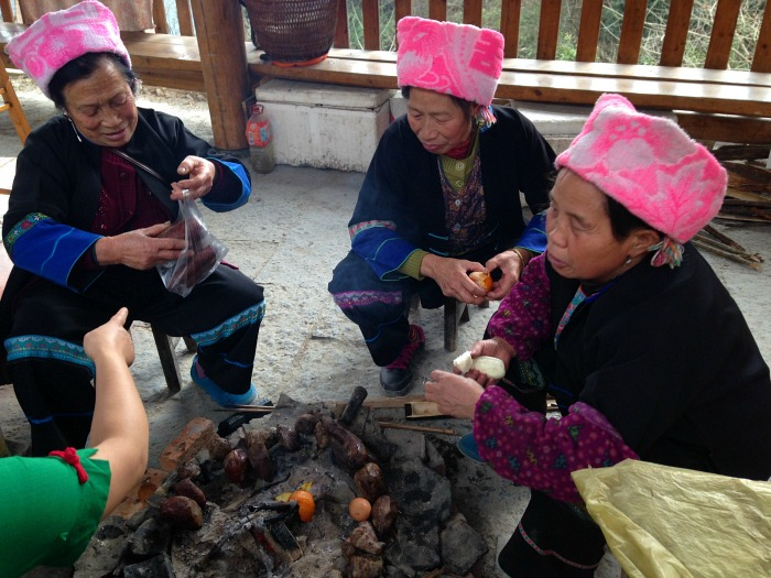 Guilin ladies in pink hats Ping'an