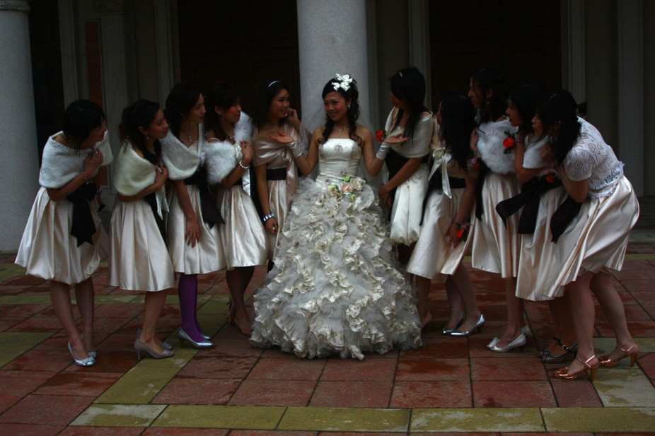 bridesmaids-in-china-for-hire