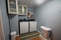 https://mintygreendream.com/2014/09/02/laundry-room-on-a-budget/
