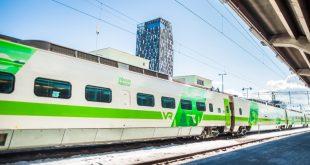 Visit Tampere Rautatieasema Train station train waiting Laura Vanzo 800x420 1