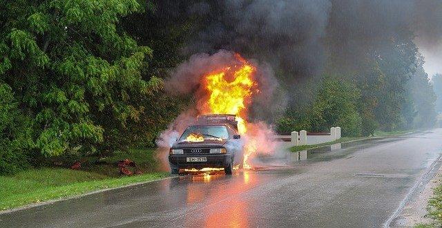 car accident gc2b71287d 640