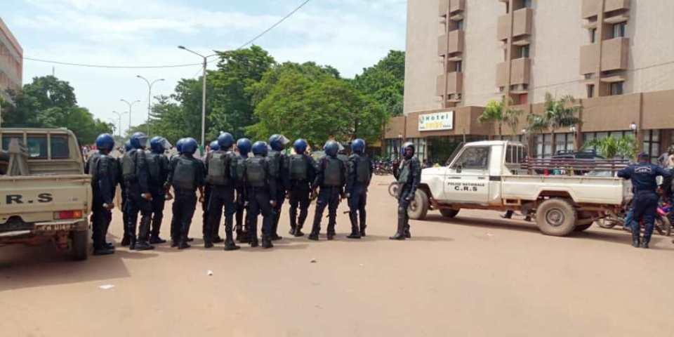 """Résultat de recherche d'images pour """"marche de l'uap a ouagadougou"""""""