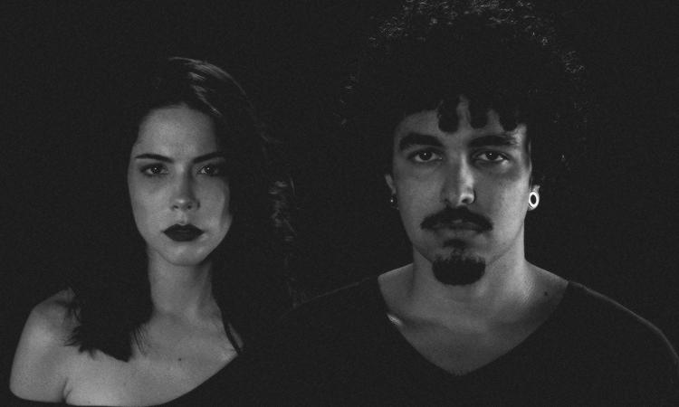 'Castelo', de Victor Mus, ganha clipe estrelado por Bia Arantes