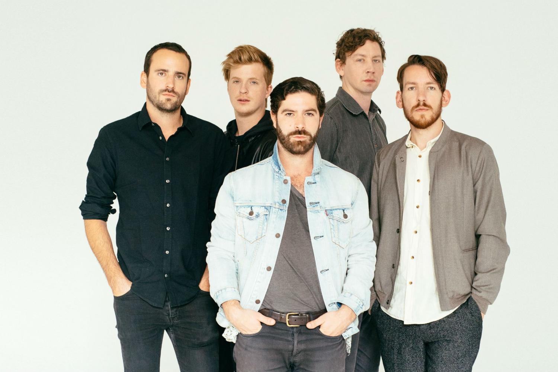 Foals tocará músicas novas no Lollapalooza, diz guitarrista