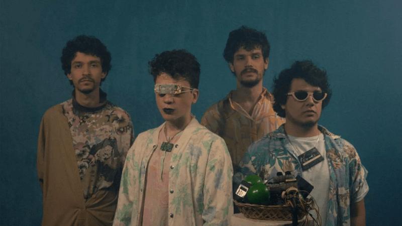 """Se permita viajar com Suco de Lúcuma: ouça o novo single """"Jardim Suspenso"""""""