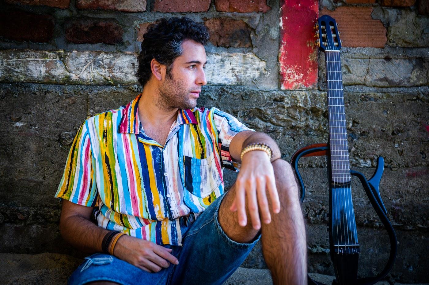 """ESTREIA: Thiago Genthil lança EP """"O nosso amor é bem maior""""; ouça"""
