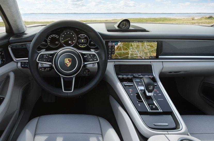 Porsche-Panamera-Turbo-S-E-Hybrid-Sport-Turismo-270917-03