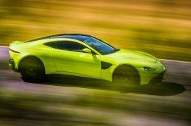 Aston-Martin-Vantage-221117-05