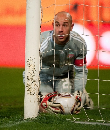 Pepe Reina. Steaua - Liverpool. 2 november 2010