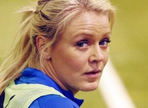 Josefine Öqvist swaps shirts with a fan